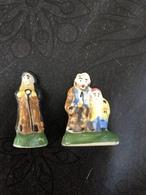 2 Feves Ceramique Arguydal Avec A Grave Serie Inconnue - Santons