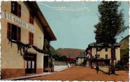 Le Petit-Bornand - La Rue Guillaume-Fichet - A La Grappe D'or !!!! Rayures En Haut De La Carte - France