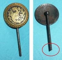 Rare épingle à Cravate En Métal Gravé, Tolède Toledo, Chimère - Bijoux & Horlogerie