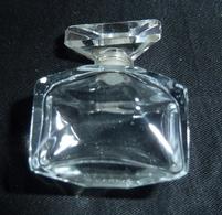 Miniature De Parfum -  Flacon Vide à Localiser ??   -réf, P04 - Modern Miniatures (from 1961)