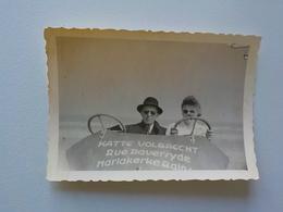 1950 Photo Originale Noir Blanc Mariakerke Couple Dans Cuistax  Publicitaire Ostende - Oostende