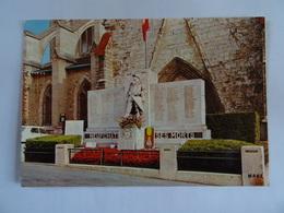 CPM 76  NEUFCHATEL EN BRAY Le Monument Aux Morts   TBE - Neufchâtel En Bray