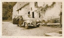 Snapshot Voiture Peugeot Vintage Avec Femme Woman Car Automobile Maison - Automobile
