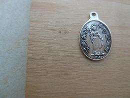 Mada-267 Médaille Ancienne En Ag (poinçon) Lettres Asiatiques Anagramme FJ - Religione & Esoterismo