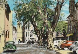 ***  83 *** BESSE SUR ISSOLE Le Cours - Vieilles Voitures TTB  Traction 4ch Renault Aronde Timbrée - Andere Gemeenten