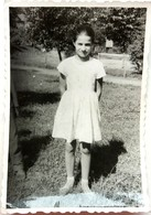 №63  Photography Of Girl On A Meadow, Child - 1950's, Old FOTO PHOTO - Anonymous Persons