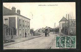 CPA Frépillon, La Route De Paris, Vue De La Rue - France