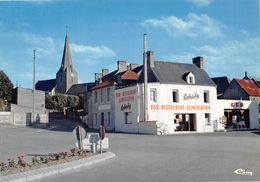 BLAINVILLE-sur-MER -La Place Et Le Restaurant Lehuby - Bar-Alimentation - Blainville Sur Mer
