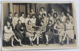 Rare Carte Photo Jeunes Femme Promotion 1929 1932 Les Chardons Bleus Auray ? Photographe Cardinal Vannes - Vannes