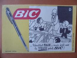 Buvard  BIC  La Vraie Pointe - Buvards, Protège-cahiers Illustrés