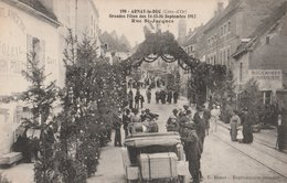 ARNAY-le-DUC (21). Grandes Fêtes Des 14-15-16 Septembre 1912. Rue St-Jacques. Voiture Au 1er Plan. Boulanger-Aubergiste - Arnay Le Duc