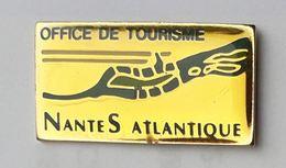 VF08 Pin's Ville Office Tourisme Nantes Atlantique Achat Immédiat - Villes