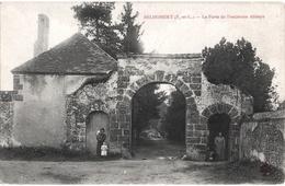 CPA DE BELHOMMERT  (EURE & LOIR)   LA PORTE DE L'ANCIENNE ABBAYE - Autres Communes