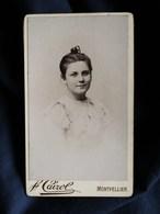 Photo CDV  Cairol à Montpellier  Portrait Belle Jeune Fille Souriante - CA 1895 - L302 - Fotos