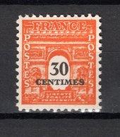 FRANCE  N° 702 IMPRESSION DOUBLE  NEUF SANS CHARNIERE  COTE  85.00€   ARC DE TRIOMPHE - 1944-45 Arc De Triomphe