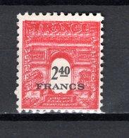 FRANCE  N° 710  IMPRESSION DOUBLE  NEUF SANS CHARNIERE  COTE  85.00€   ARC DE TRIOMPHE - 1944-45 Arc De Triomphe