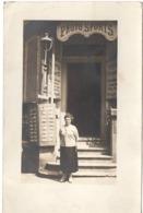 AIX LES BAINS C.1930 - Carte Photo SPORTS - YANK'S Devanture Magasin Cartes Postales - Aix Les Bains