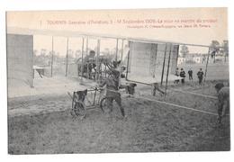 Semaine Aviation De Tournai 5-14 Septembre 1909 Paulhan La Mise En Mache Du Moteur Climan Ruyssers Non Circulée 7 - Airmen, Fliers