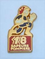 PO84  Pin's Pompier Pompiers 18 Qualité Arthus Signé AMC Achat Immédiat - Firemen
