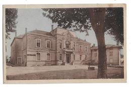 01  -  CPA  Colorisée  De  MONTREVEL   -  Hôtel  De  Ville  En  1946 - Altri Comuni