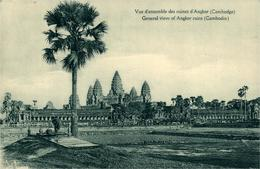 Cambodia Cambodge Vue Des Ruines Du Temple D'Angkor CPA Des Missions étrangères Paris - Cambodja