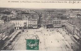 86 - Poitiers - Beau Panorama De La Place D'Armes Pris Du Belvédère De L'Hôtel De Ville - Poitiers