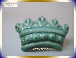 Clamecy ... Couronne En Fête N°1 Vert Bouteille .. Ref AFF : 50-2011.. ( Tiroir 2011) - Anciennes