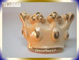 Clamecy ... Couronne En Fête N°3 Orange Et Or.. Ref AFF : 50-2011.. ( Tiroir 2011) - Oude