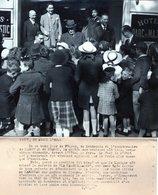 (72) Photo Originale Vichy Marechal Petain Devant L' Hotel Du Parc1943   Photo De Presse 24X18cm(bon état) - Vichy