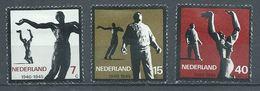 Pays-Bas YT N°810/812 Résistance Neuf/charnière * - 1949-1980 (Juliana)