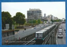 PHOTO 10/15 CM Métro Parisien à Neuilly Sur Seine : Métro Quittant La Station Esplanade De La Défense. - Métro