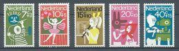 Pays-Bas YT N°804/808 Enfants Déshérités Et Infirmes Neuf/charnière * - 1949-1980 (Juliana)