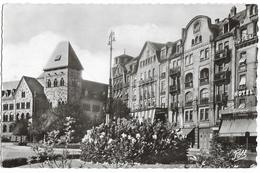CPSM - METZ - La Place De La Gare Et L'hôtel Des Postes (hôtel Mértropole) - Metz