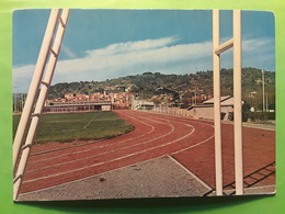 STE SAINTE TULLE,  Basses Alpes De Haute Provence,  Parc Des Sports, La Piste , Années 60 , - Francia