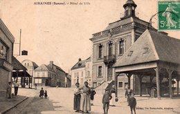 CPA, Airaines, Hôtel De Ville, Place Animée, Halles - France