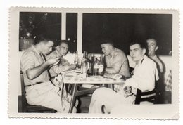 SAIGON  HO CHI MINH Année 1952 Militaires Au Restaurant Chinois - Ohne Zuordnung