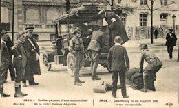 DÉCHARGEMENT D'UNE  AUTOMOBILE DE LA CROIX ROUGE ANGLAISE RED CROSS CRUZ ROJA  WWI WWICOLLECTION - Croix-Rouge