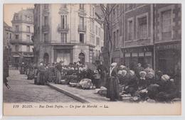 BLOIS - Rue Denis Papin Un Jour De Marché LL 119 - Blois