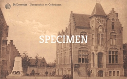 Gemeentehuis En Gedenksteen - Sint-Laureins - Sint-Laureins