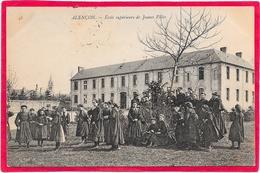 61 ALENCON - Ecole Supérieure De Jeunes Filles - Très Animée - Alencon