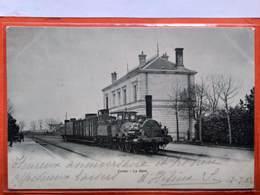 CPA (86)  Civray. La Gare. (O+1.046) - Civray