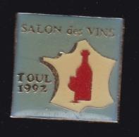 63744- Pin's-salon Des Vins.Toul. - Villes
