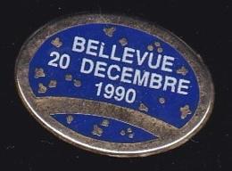 63760- Pin's-Bellevue.20 Decembre 1990. - Villes