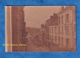 Photo Ancienne Snapshot - CHATEAU THIERRY - Au Fond Un Immeuble Détruit Prés De L' Hôtel De Ville ? - Krieg, Militär