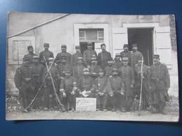 Carte Postale Guerre 1914/18 Groupe De Soldats à Identifier - Personnages