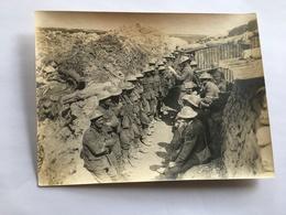 Photo De Presse Originale Guerre WWI 1914 1918 Troupe Soldats Anglais La Veille De La Bataille De La Somme Tranchée - Krieg, Militär