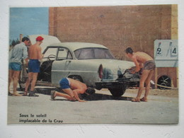 LA CRAU (Var) - Scène Estivale à La Station Service -   Coupure  De Presse De 1960 - Voitures