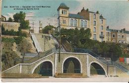 44 - NANTES - ESCALIER DES CENT MARCHES ET STATUE DE SAINTE ANNE - Nantes