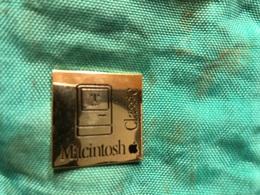 Macintosh Classic - Informatique