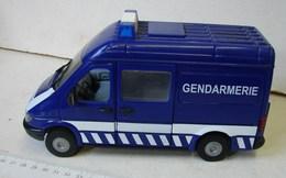 Jeux. 12. Camionnette De Gendarmerie - Non Classificati